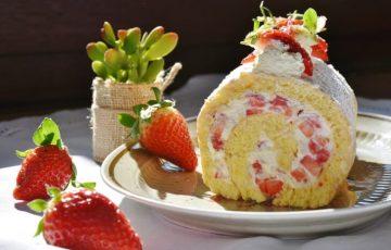 strawberry roll 1263099 1280 360x230 - 草津温泉・道の駅|寄り道がてら購入できるお土産&デザートランキング9選
