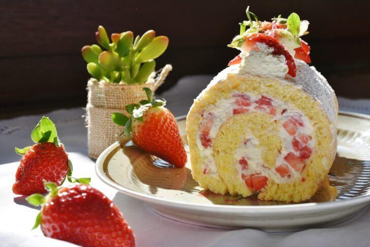 strawberry roll 1263099 1280 728x485 - 草津温泉・道の駅|寄り道がてら購入できるお土産&デザートランキング9選