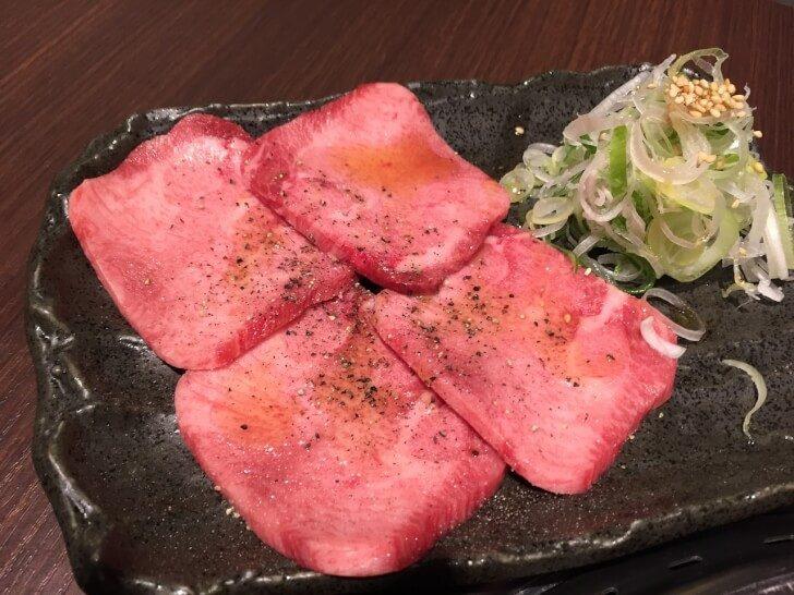 yakiniku 1408821 1280 728x546 - 草津温泉のおすすめ人気焼き肉屋さん4選!温泉街の中心に名店あり【最新版】