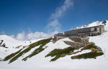 pixta 16781340 M 360x230 - 日本一標高の高い場所にある天然温泉「みくりが池温泉」はどんなところ?日帰り入浴も可能