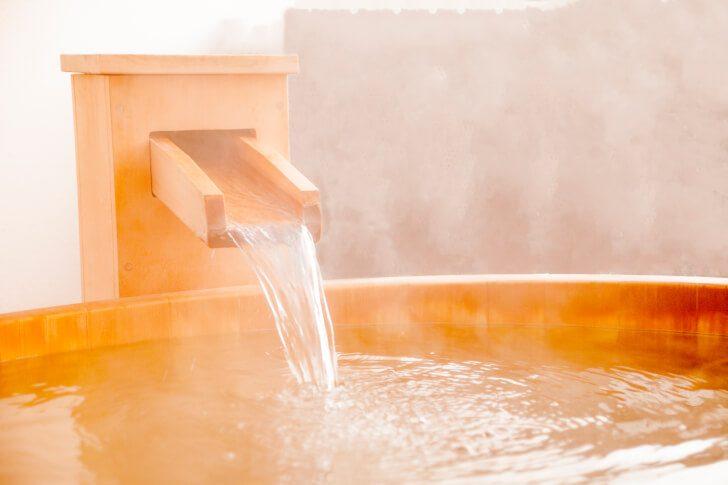 pixta 21829969 M 728x485 - 温泉好きなら必ず知っておいて欲しい!正しい入浴の方法【完全保存版】