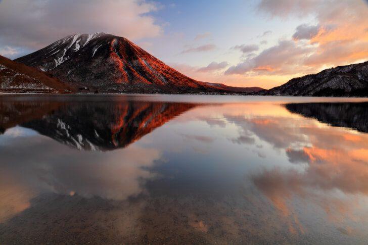 pixta 23681976 M 728x485 - 日光市の「中禅寺湖」は観光におすすめ!遊覧船からの絶景や釣りを満喫!