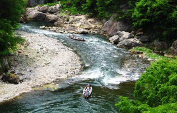 pixta 794595 M 360x230 - 日光市の観光情報!「鬼怒川ライン下り」と「ラフティング体験」で渓谷美を120%堪能!