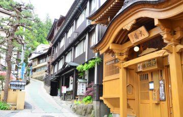 pixta 16827506 M 360x230 - 野沢温泉のホテル&旅館おすすめ宿10選!村へのアクセス情報も