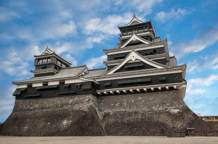 pixta 21041967 M 728x484 - 熊本城の魅力や見どころ・アクセス情報!地震の影響は?【熊本県観光】