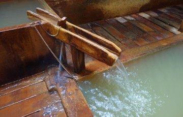 pixta 16810665 M 1 360x230 - にごり湯の種類と効能は?おすすめ人気温泉宿ランキングTOP8も!