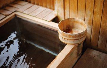 pixta 19075992 M 360x230 - 鉱泉と温泉の違いは?分類や成分による泉質の効能についても
