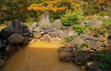 pixta 26220017 M 360x230 - 含鉄泉(がんてつせん)とは?効能や有名な温泉地から婦人の湯と呼ばれる理由まで