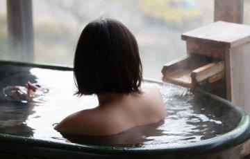 shutterstock 121823815 360x230 - 女子旅で行くべきおすすめ温泉旅館ランキングTOP10!エステや浴衣付きの宿は?