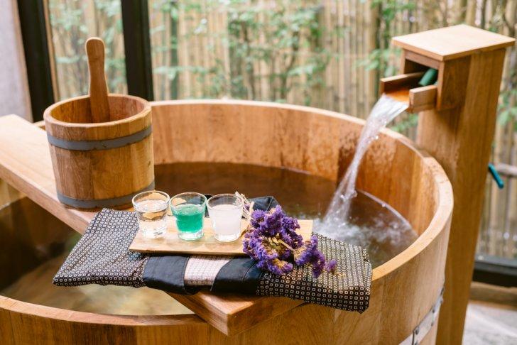shutterstock 311574593 728x486 - 熱海温泉で一度は泊まりたいおすすめ高級旅館ランキングTOP5【2017年版】