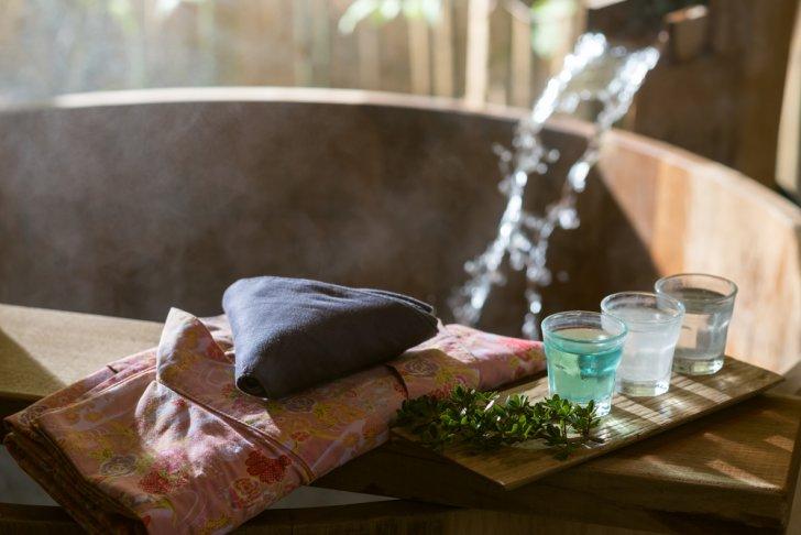 shutterstock 361544840 728x486 - 玉造温泉周辺のおすすめ貸切風呂ランキングTOP4!水着OKの混浴露天風呂も紹介【2018年最新版】