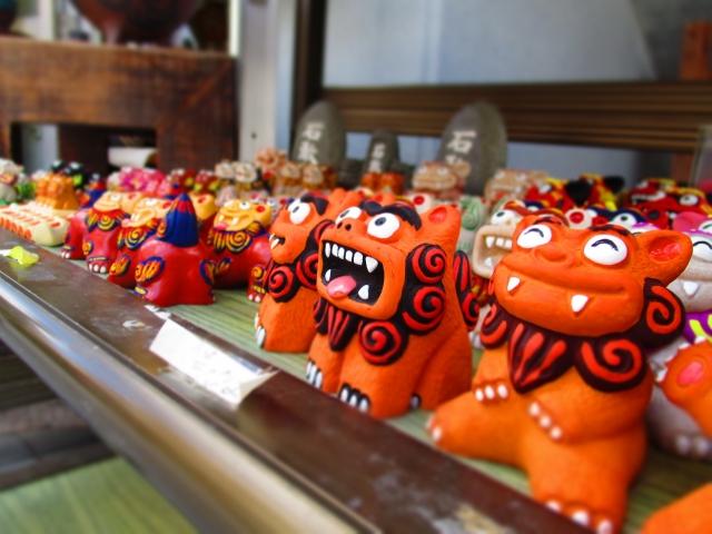 沖縄 土産物や シーサー