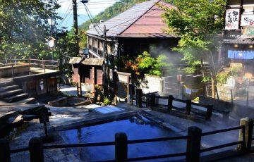 pixta 26977352 S 360x230 - 野沢温泉が人気の3つの理由!旅館や観光情報から名物グルメ&お土産も