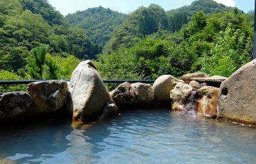 1200px 150808 Takedao Onsen Takarazuka Hyogo pref Japan02s3 360x230 - 武田尾温泉が人気の5つの理由!旅館や観光情報から名物グルメ&お土産についても