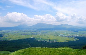 1200px Mt.Aso and caldera01 360x230 - 【宿泊可も】熊本スーパー銭湯おすすめ人気ランキングTOP5!岩盤浴利用でも安い?