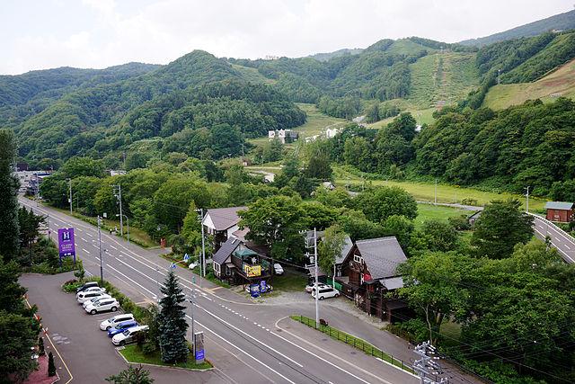 640px 130824 Asarigawa Onsen Otaru Hokkaido Japan01s3 - 朝里川温泉が人気の3つの理由!旅館や観光情報から名物グルメ&お土産についても