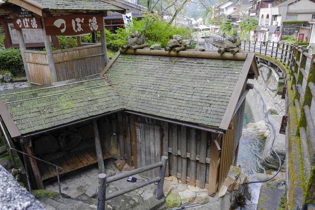 pixta 14409460 S - 湯の峰温泉が人気の3つの理由!旅館や観光情報から名物グルメ&お土産についても