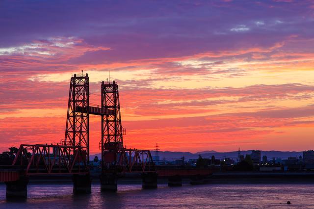 筑後川昇開橋の夜明け