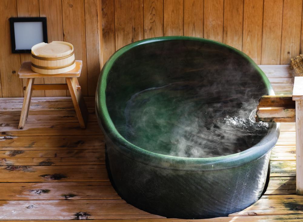 温泉 お風呂 浴槽