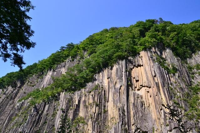 宮城県 白石市 材木岩